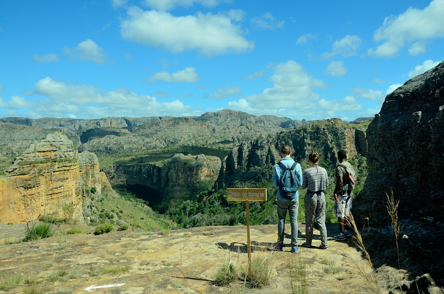 Вид Ни сало ни мясо — национальный парк Изало на Мадагаскаре Ни сало ни мясо — национальный парк Изало на Мадагаскаре DSC 5704