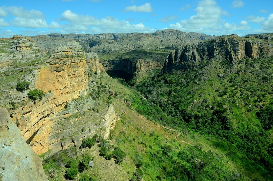 Каньон Ни сало ни мясо — национальный парк Изало на Мадагаскаре Ни сало ни мясо — национальный парк Изало на Мадагаскаре DSC 5707